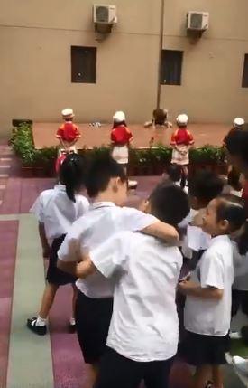 幼稚園開學請「鋼管女郎」表演 大膽演出讓家長氣瘋:退學!