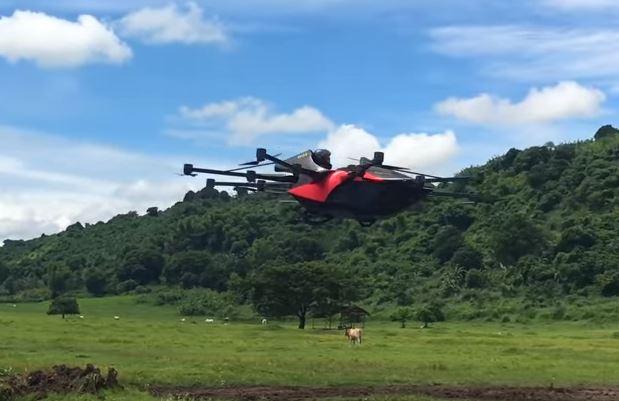 塞車BYE~蜘蛛「飛行汽車」試飛成功 背後推手竟是「超帥鬍渣工程師」!