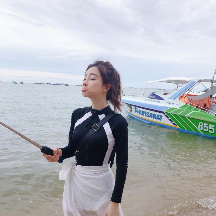 吸金網美馮提莫「泰國崩壞照」網路瘋傳 鐵粉哭哭:說好的翹PP都垮了...