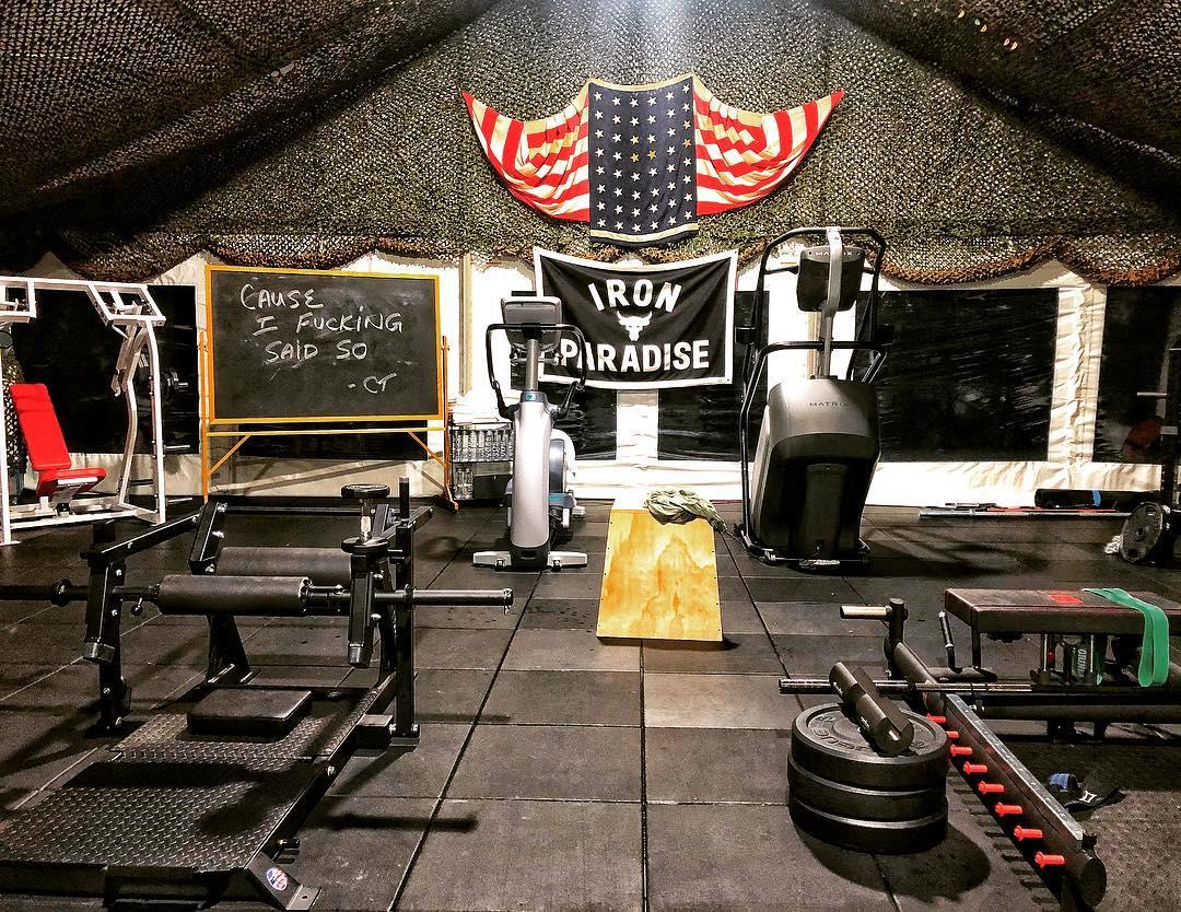 超過18噸!巨石強森的「移動健身房」曝光 心疼工作人員:每次搬完器材都會腰痠背痛…