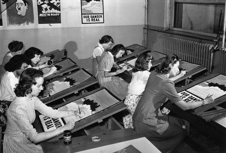 22張「用錢可能都買不到」歷史瞬間 二戰海報真的全手繪!