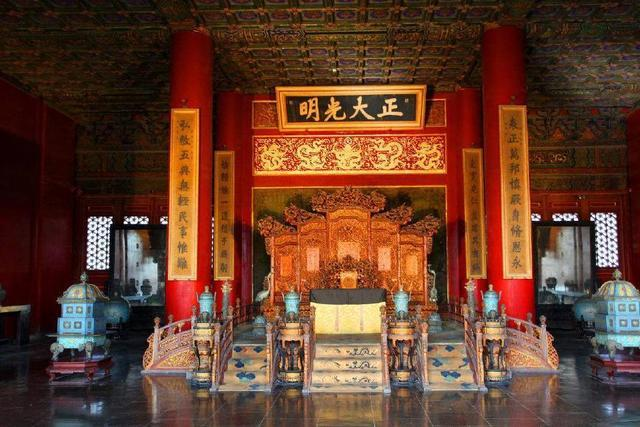 皇帝專用龍椅超珍貴!「國寶級材料」製作保存500年 最後卻慘遭丟進發霉儲藏室