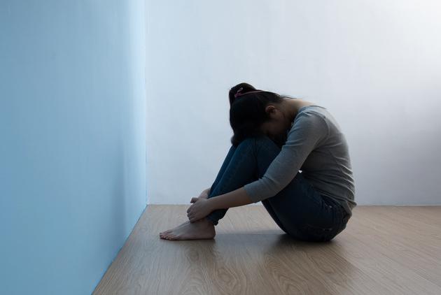 老二悲哀...單親媽養3小孩「全身都欠債」 長大只有二女兒月拿30萬回家...老母嗆:啊你賺的多!