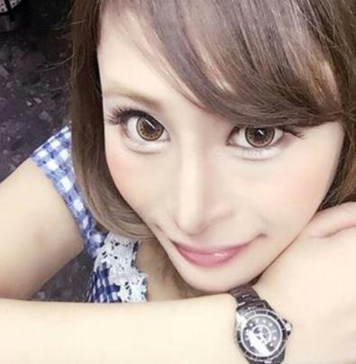 同學都笑她大猩猩...酒店妹「整形100次」進攻演藝圈 現在月入800萬台幣!