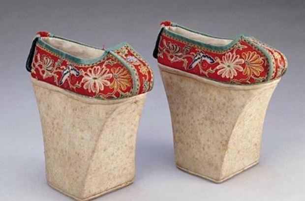 慈禧見到「西方鞋子」變成興奮小女孩 全部自己偷偷收藏...21世紀變成全球流行單品基本款♥
