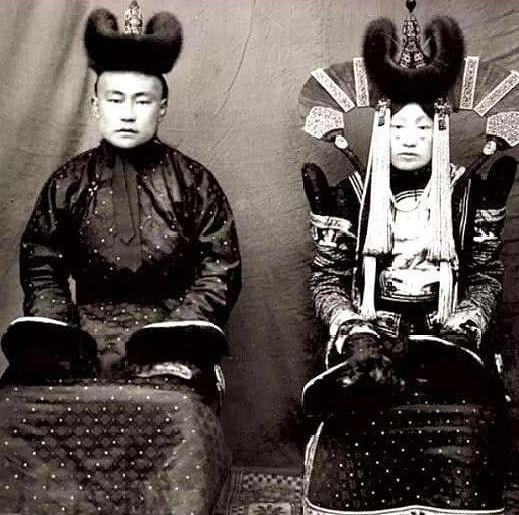 150年前法攝影師拍下「清代蒙古族」 超前衛服裝根本「星際大戰莉亞公主」