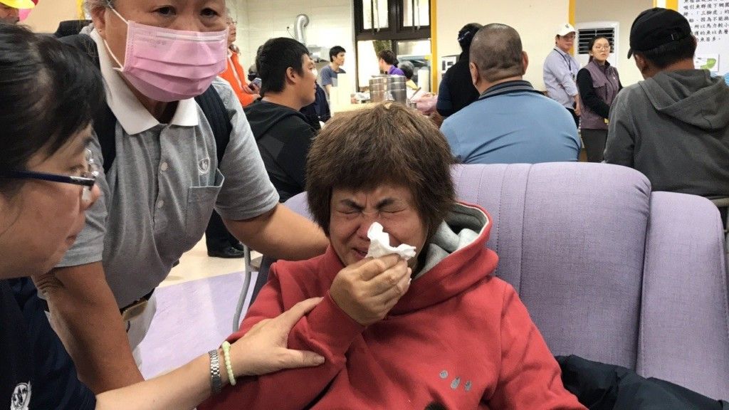 普悠瑪翻車!她接到兒子「已經在醫院」 卻在不同房間打開冰櫃:他的臉一半呢?