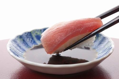 吃壽司到底要不要沾醬油?日本當地人解答了