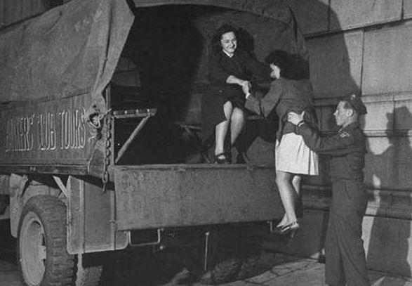 二戰後「7女1男被遺棄孤島」 日本救援部隊最後救出35人!