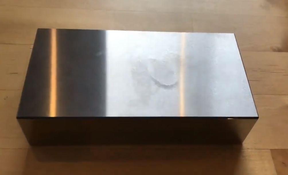 輕輕一按「字型完全消失」表面超光滑!日本逆天級工藝技術網驚:看得莫名療癒