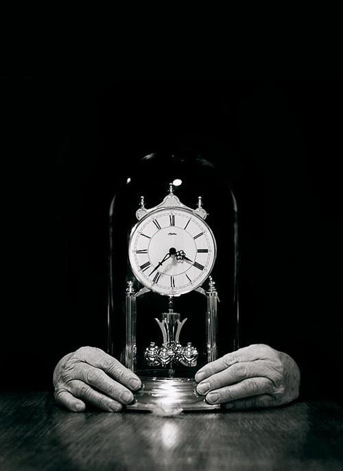 其實這世界上「根本就沒有時間」 科學家把物質轉換成數字...讓人類淪為機器人生活!