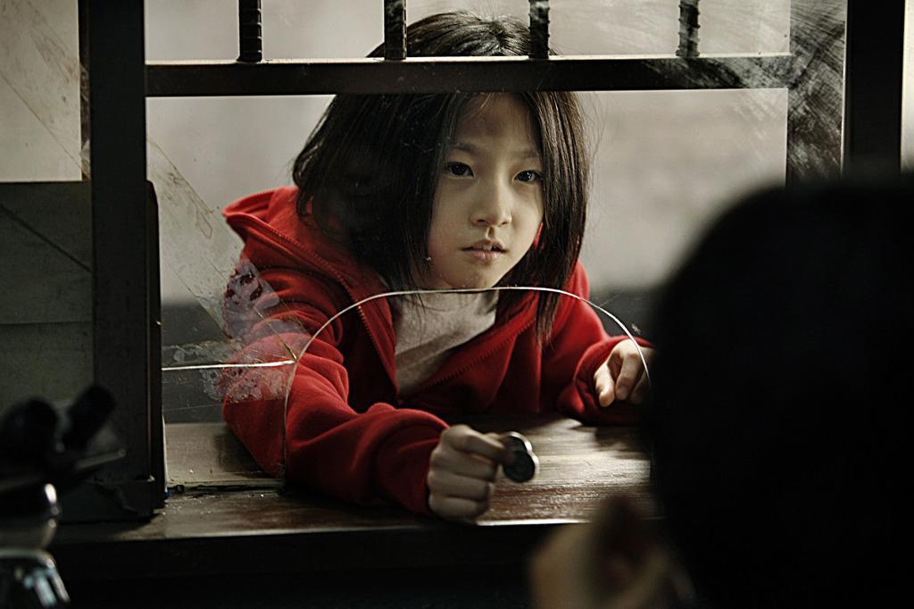 真實電影人生!女星10歲演戲就得獎 同學眼紅「要她光腳走回家」沿路寫難聽話