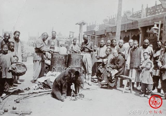 8張「清朝為什麼會GG」的悲慘生活照 直接在大街上「喀嚓」...圍觀的人全興奮拿著饅頭等