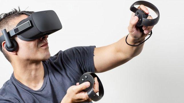 體驗「VR狗頭鍘」!他戴上眼罩後「全身瞬間失去重力」 狂冒冷汗30分鐘:我以為我去了