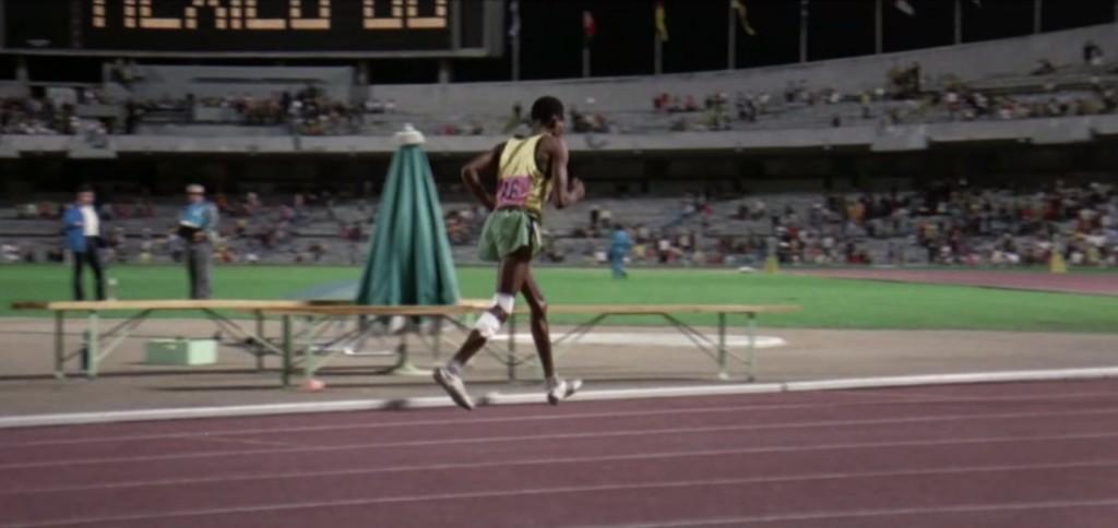 奧運史上「完美的最後一名」 天黑了才到終點...全場觀眾卻給他超越冠軍的掌聲!