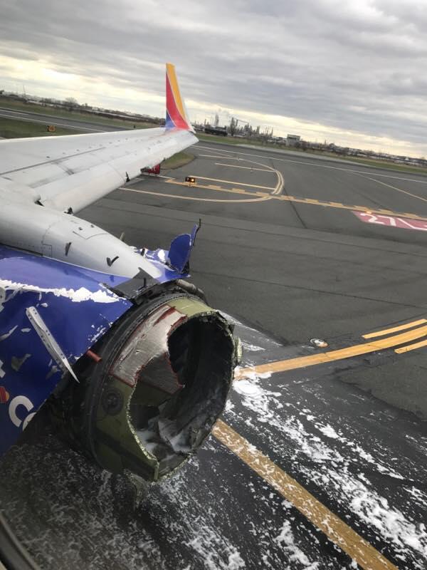 飛機3萬呎爆窗!坐靠窗女副總「半身被吸出窗外」 調查結果出爐...竟是引擎惹禍
