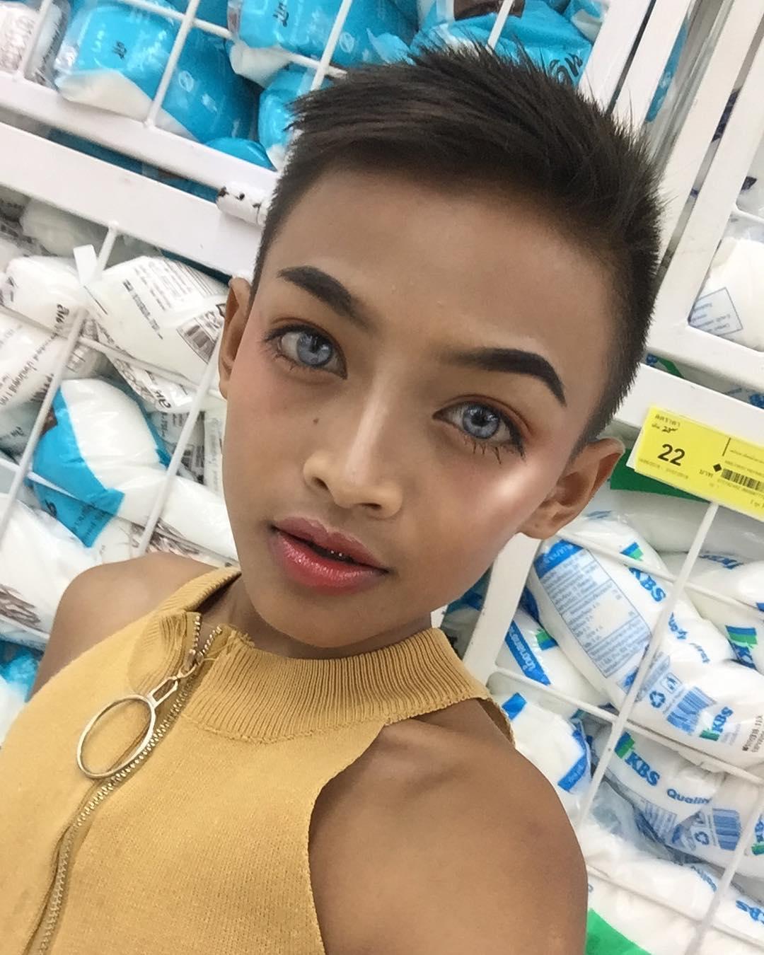泰國12歲男童靠「化妝品」買了一棟房子 他走在「紅毯的樣子」真的太美了!