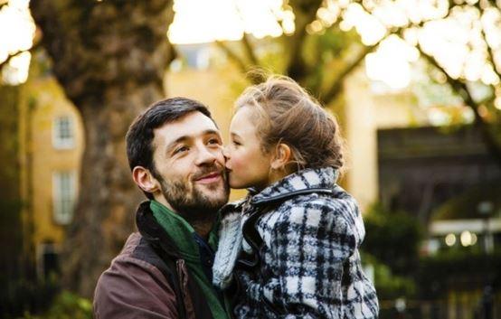 已經最尷尬!她結婚前拜訪男友家 見到「未來準公公」臉綠:我在床上喊過你爸爸了...