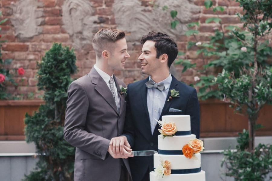 你吵吵鬧鬧「卻不知同性合法婚姻已成事實」 阻擋人進愛情的墳墓...請問你住海邊?