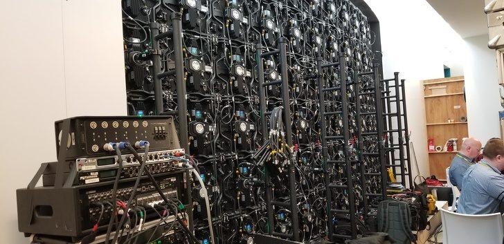 25張讓你超傻眼的「崩潰事實照」電影院照明開關其實是摩斯密碼!