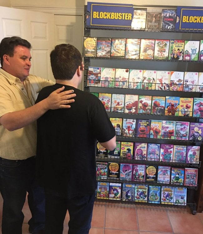 11張證明「小孩出生後每個爸媽都會變」的感動畫面 完整複製百視達DVD太猛!