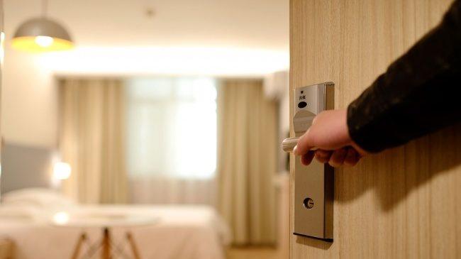 別被房東騙了!15個不想「租到超糟房子」就要注意的事項 看房必須留意插座