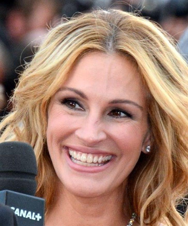 人的9種笑容「代表不同意思」 看到閨蜜抿唇笑...她可能根本沒對你誠實!