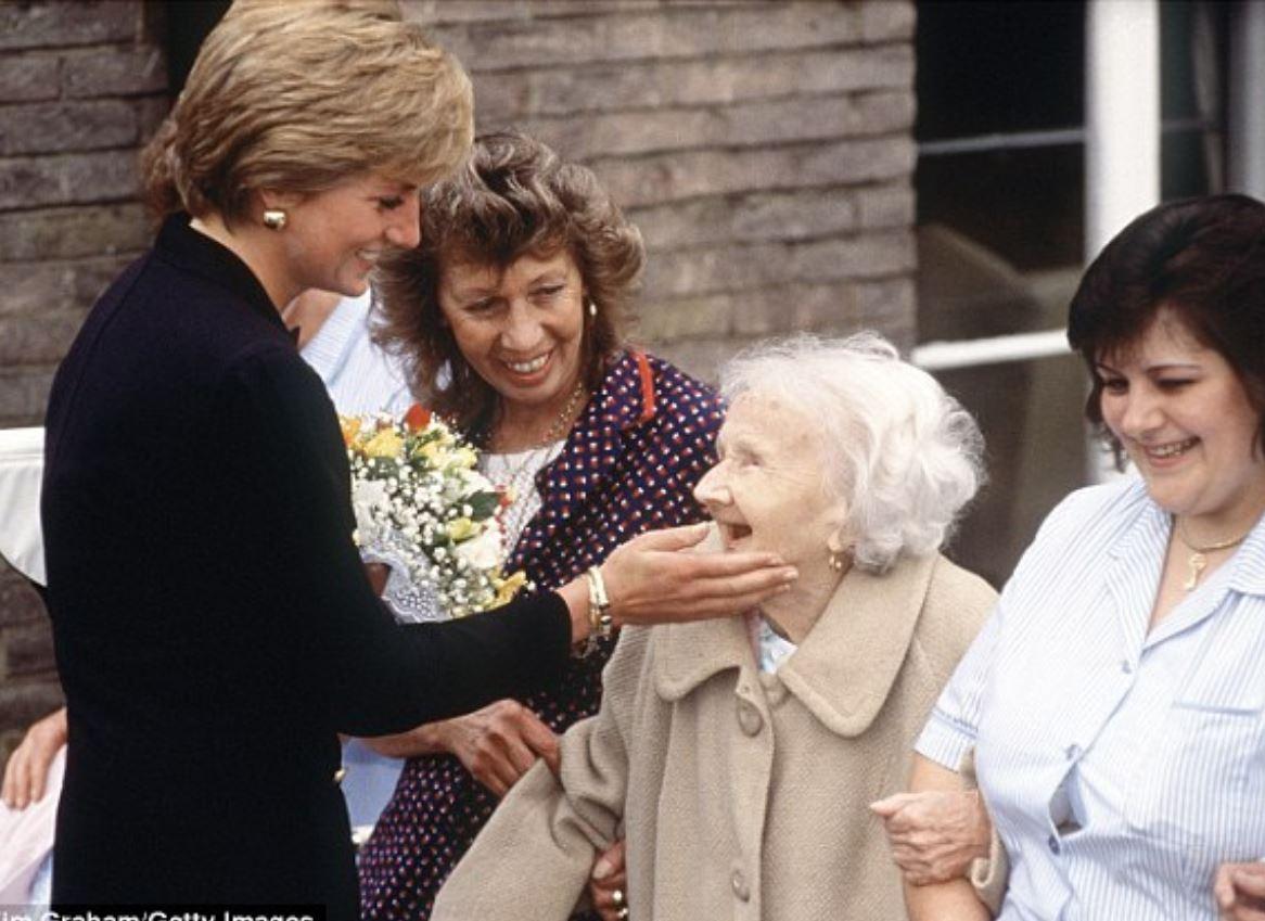 大嫂心都涼了...梅根受封「黛安娜第2」 笑起來瞬間終於懂哈利為什麼選她...