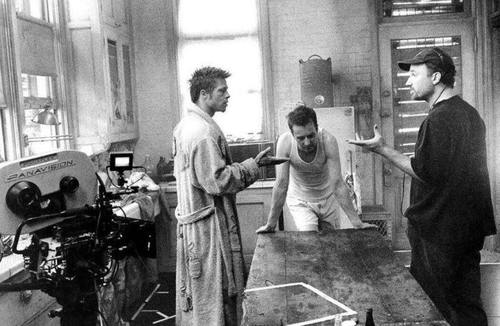 布萊德彼特的其實沒那麼帥 15張「導演拼老命都要守住」的幕後照...特效打下去回春20歲