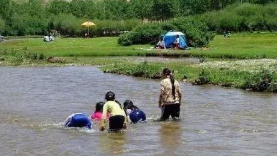 7個孩子「湖底的呼喊聲」爸媽卻沒聽到 深夜湖水抽乾水鬼竟現形...全都被勒得緊緊的