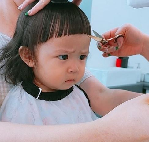 南韓「萌貼圖真人娃娃」肉身登場 眉毛+眼睛隨便挑動...都直接融化媽媽姐姐的❤