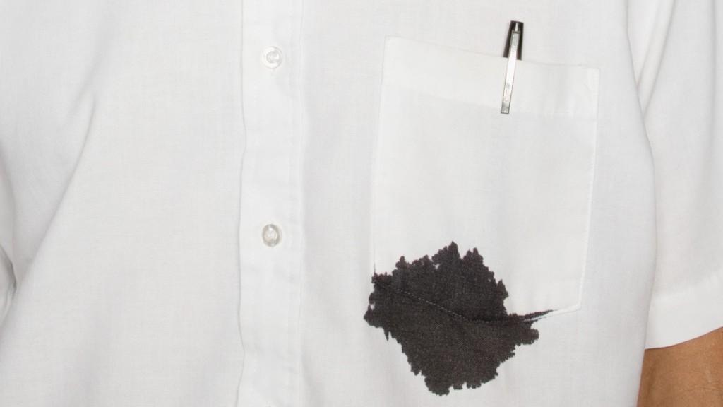 衣服老是沾到醬!10個「實惠又有效」的衣服去汙方法 直接擦拭不如就丟進垃圾桶