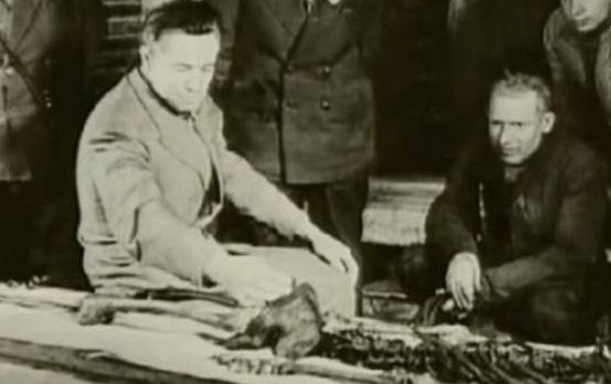 史達林不聽勸搬開「受詛咒的墨綠玉石稜」 隔天戰爭直接爆了…才看見驚悚碑文