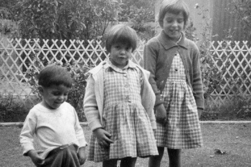 去海邊玩被神秘金髮男帶走!3姐弟失蹤50年 目擊者「看到的景象」讓父母絕望了
