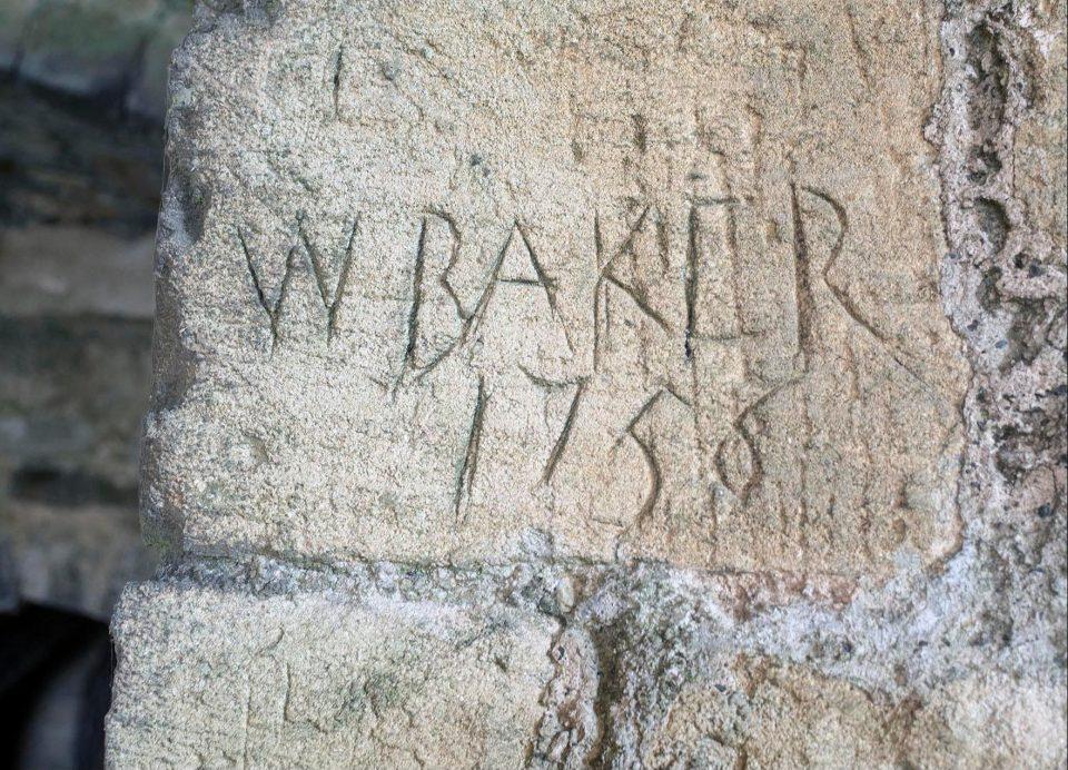比《哈利波特》消失密室還狂 250年「布倫海姆宮密室」石碑刻寫最後1人名字:這裡沒有盡頭