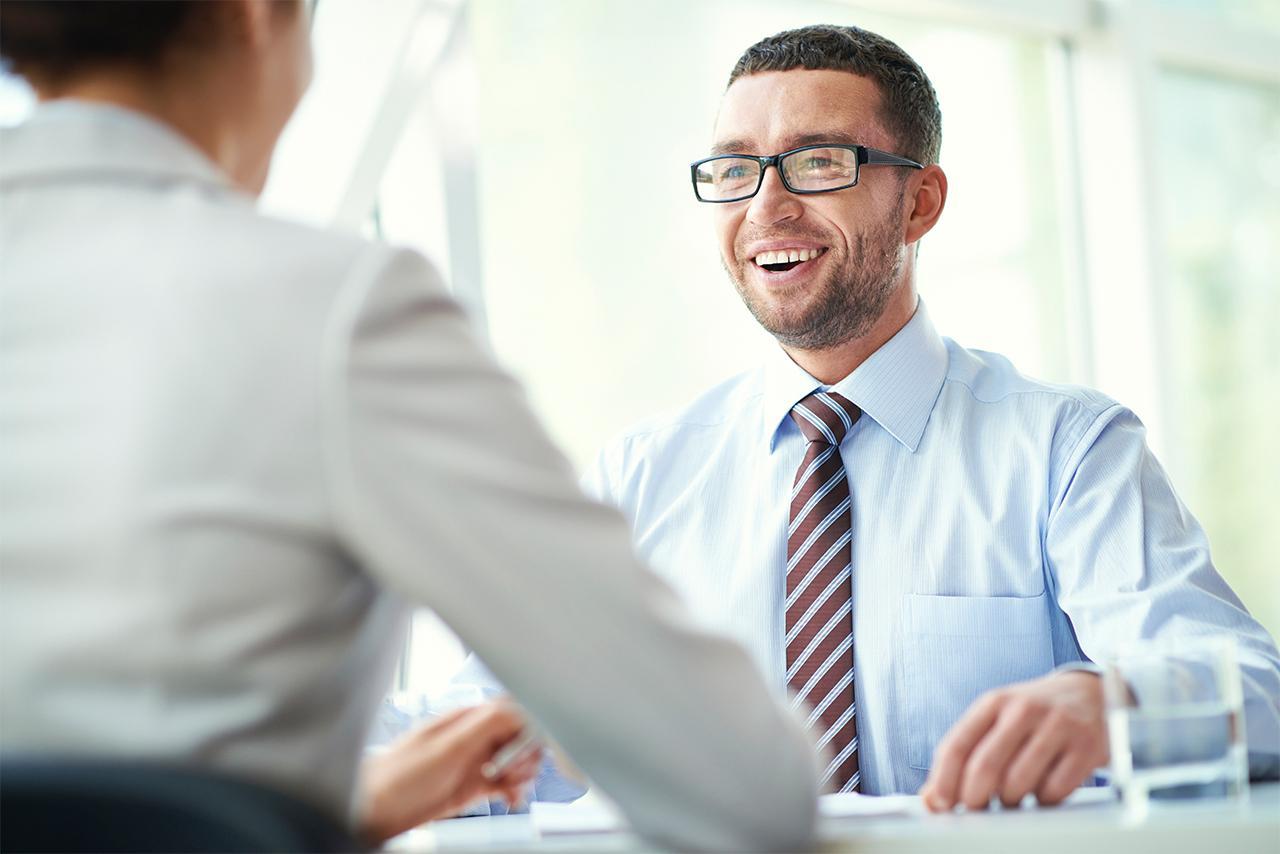 10個不小心就騙過大腦的心理學小秘訣 聊天時做「禮貌小動作」可以讓人家不會討厭你!