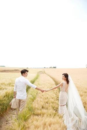 遲到3年的最甜蜜❤️️修杰楷補婚宴「正式娶走賈靜雯」 回想摸摸頭:絕對是收服姐姐必備!