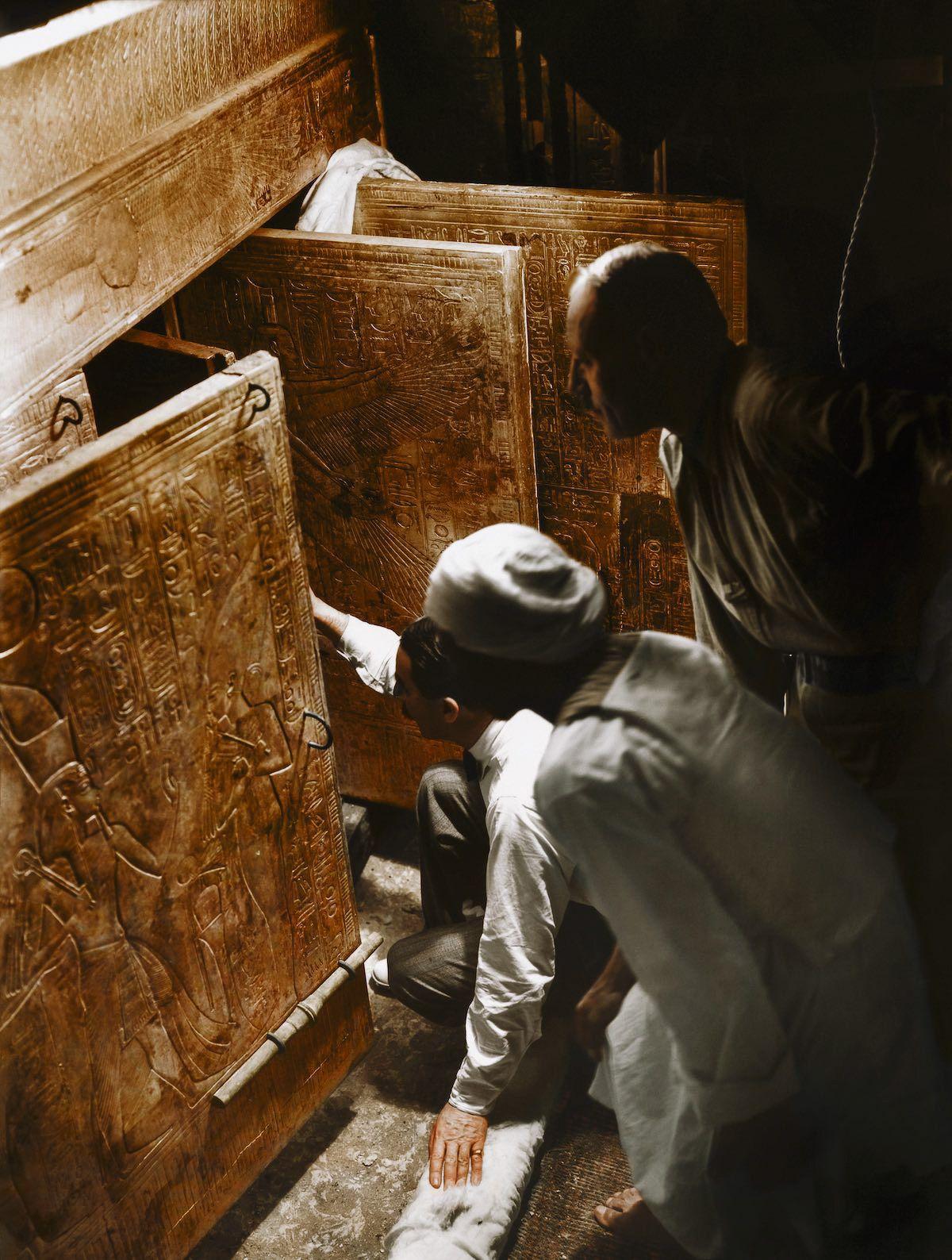 考古團受「法老詛咒」22人遭奪.命 探勘隊再進入驚見墓牆密語:打擾者必懲
