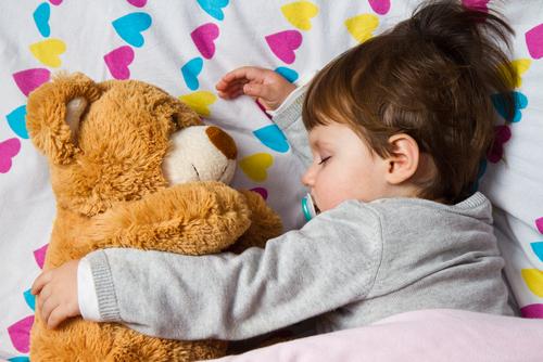 5種「絕對比馬桶還髒」小孩卻天天啃的日常用品 一剪開來直接被噁到吐!