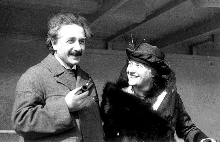 他終於找到愛因斯坦「大腦根本不是人類」的原因 就多了一條線...就改變整個世界!