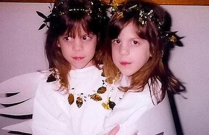 雙胞胎姊妹那個晚上「互相坦白性向」 媽媽突然2個女兒→2個兒子:他們幸福快樂就好: )