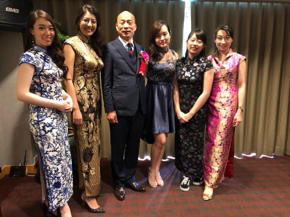 韓國瑜就職5大金釵 小編妹「直接旗袍+帆布鞋」上場...鄰家女孩萌翻♡
