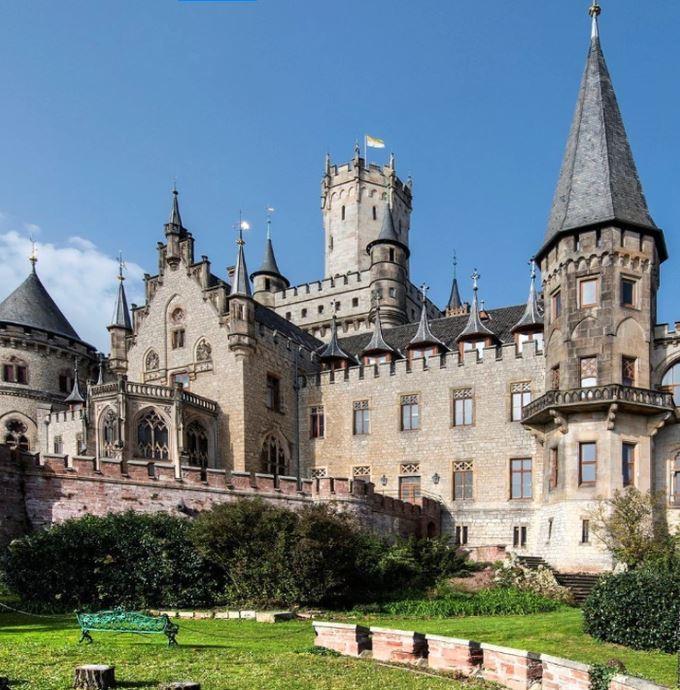 歐洲公爵古堡「1元求售」 只因照顧135個空房間比女人還難搞!主人還因此破產...