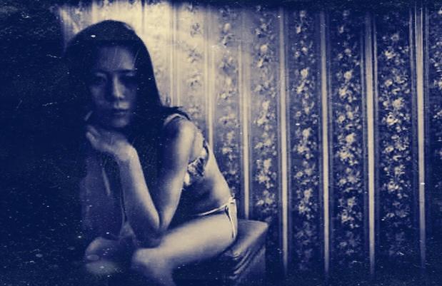漂泊都市邊緣的女孩!6張黑白照帶你看完「90年代風塵女子的一生」