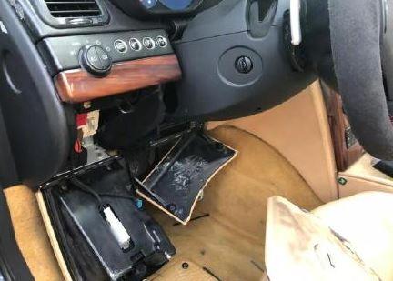 土豪哥瑪莎拉蒂停空地「放到忘記」 1年後「只剩車殼在原點」零件全蒸發!