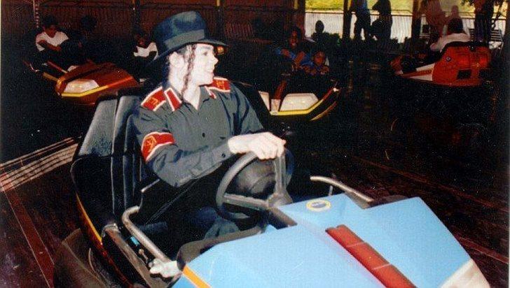 22張讓你「走進時光隧道」的稀有歷史照片 麥可傑克森開碰碰車「全是因為愛」