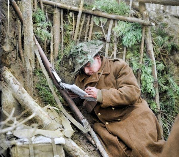 12張笑得最心酸的聖誕節 當時「在砲火中默默寫信回家」他躲在叢林裡打開最後回信...
