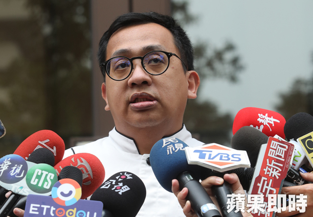 吳寶春到中國發展「大認92共識」 被前員工揭露:他薪水從22K起跳,麵包超貴!