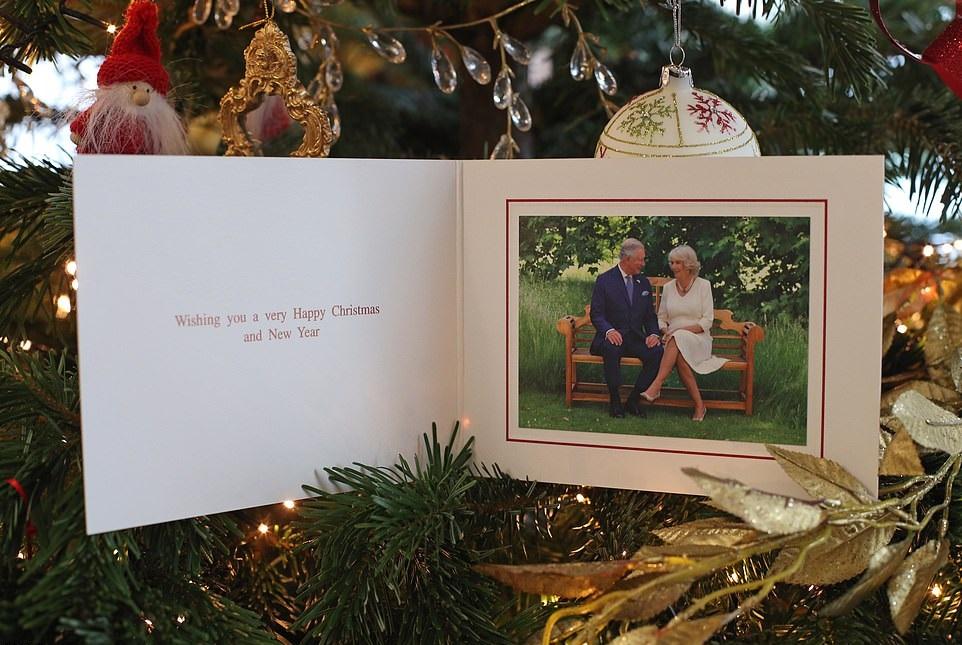 王室公布2018年聖誕卡!凱特靠「小王子憨照」贏了 梅根想曬恩愛被狂酸...又破壞傳統