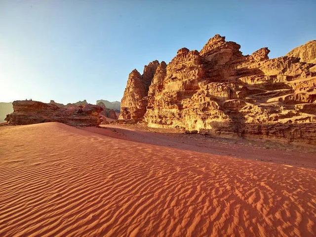 神秘古城竟藏在「地球上的火星」裡!每年400萬遊客塞爆中東小國 只為親眼見證失落奇蹟
